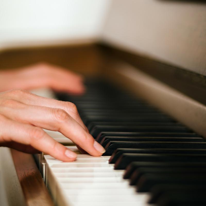 Teaching balance between the hands piano with lauren piano hands prinsesfo Images